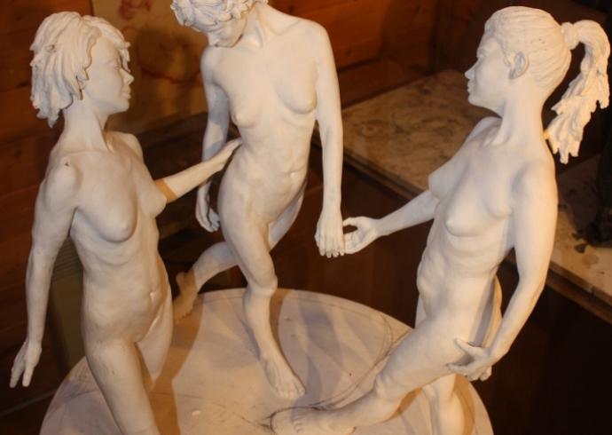 Les trois grâce en plâtre – Photo 02
