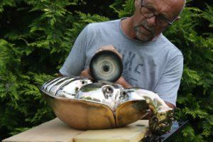 Métamorphose Vll  : polissage du bronze